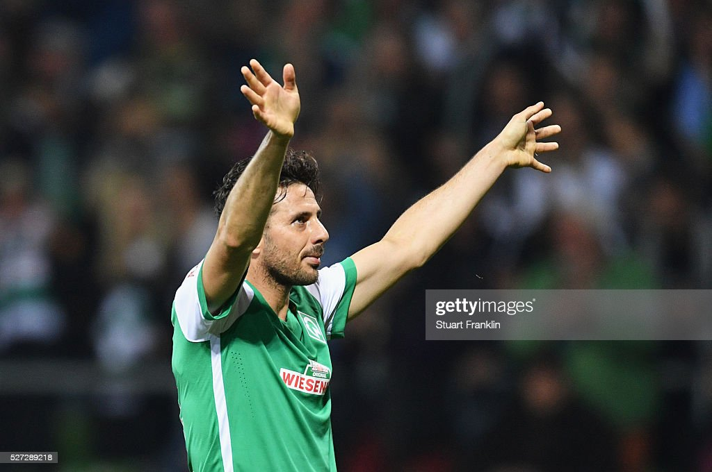 Claudio Pizarro of Werder Bremen celebrates as he scores their fourth goal during the Bundesliga match between Werder Bremen and VfB Stuttgart at Weserstadion on May 2, 2016 in Bremen, Germany.