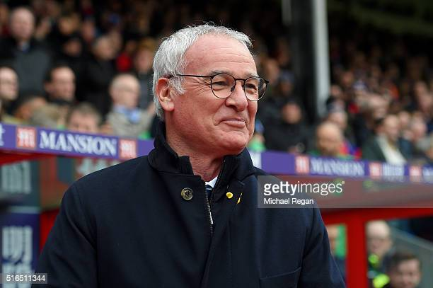 Claudio Ranieri Manager of Leicester City looks on prior to the Barclays Premier League match between Crystal Palace and Leicester City at Selhurst...