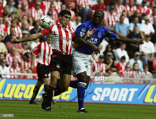 Claudio Rayna of Sunderland holds off Kevin Campbell of Everton during the FA Barclaycard Premiership match between Sunderland and Everton at The...