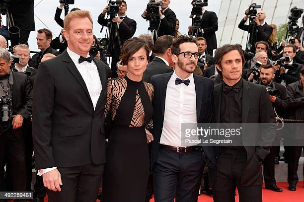 Claudio Tolcachir Alice Braga Pablo Fendrik and Gael Garcia Bernal attend the 'Foxcatcher' premiere during the 67th Annual Cannes Film Festival on...