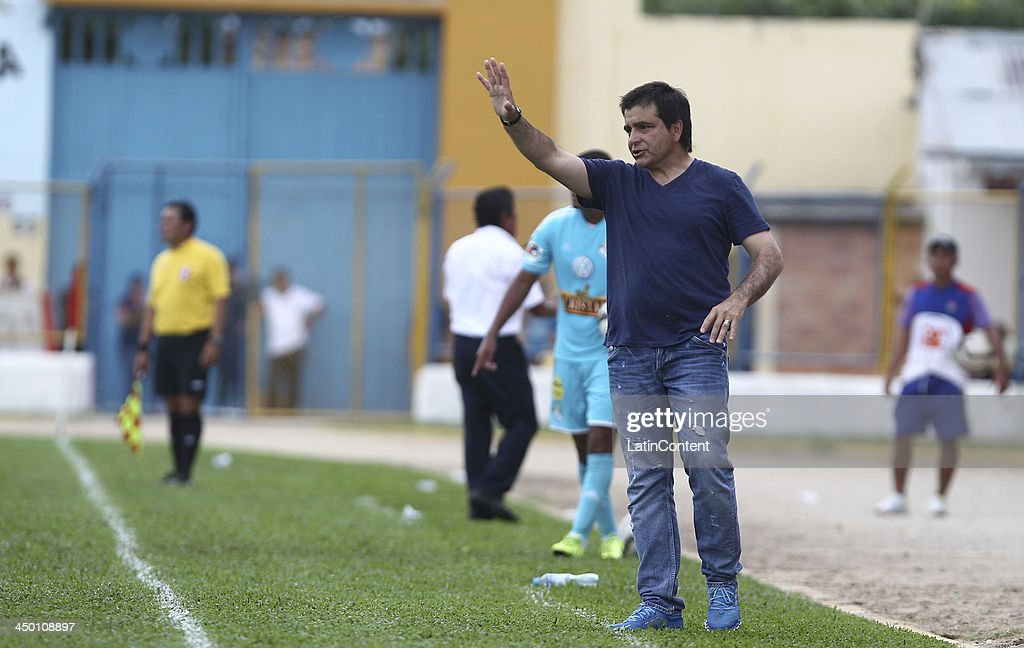 Claudio Vivas, coach of Sporting Cristal during a match between Union Comercio and Sporting Cristal as part of the Torneo Descentralizado at IDP of Moyabamba stadium on November 16, 2013 in Moyabamba, Peru.