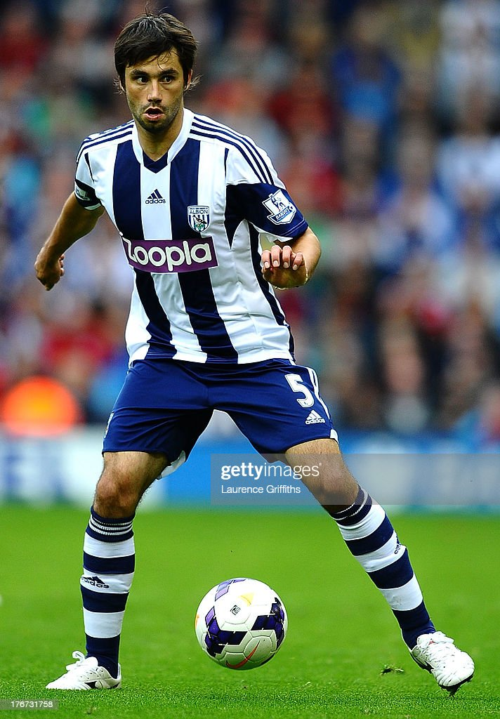 <a gi-track='captionPersonalityLinkClicked' href=/galleries/search?phrase=Claudio+Yacob&family=editorial&specificpeople=4104249 ng-click='$event.stopPropagation()'>Claudio Yacob</a> of West Bromwich Albion during the Barclays Premier League match between West Bromwich Albion and Southampton at The Hawthorns on August 17, 2013 in West Bromwich, England.