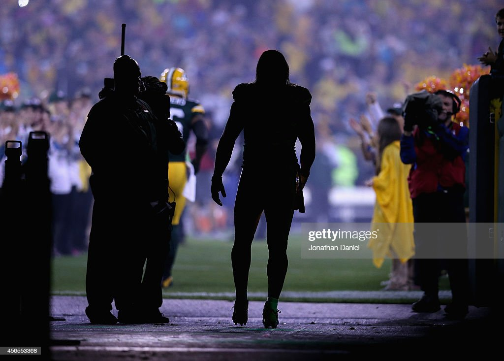 Clay Matthews #52 of the Green Bay Packers waits to be introuduced during player introductions before a game against the Minnesoota Vikings at Lambeau Field on October 2, 2014 in Green Bay, Wisconsin.