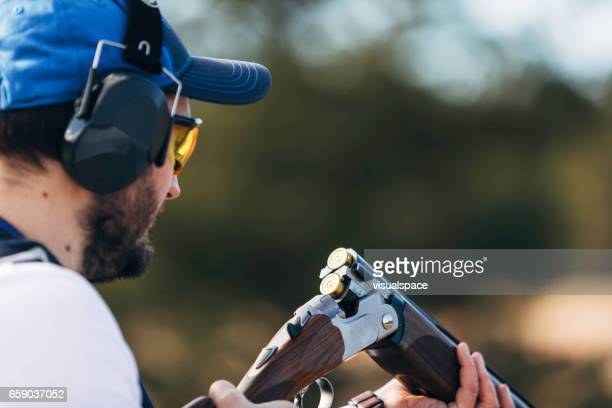 Clay target shooter reloading