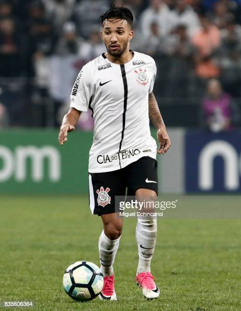 Clayson of Corinthians conducts the ball during the match between Corinthians and Vitoria for the Brasileirao Series A 2017 at Arena Corinthians...