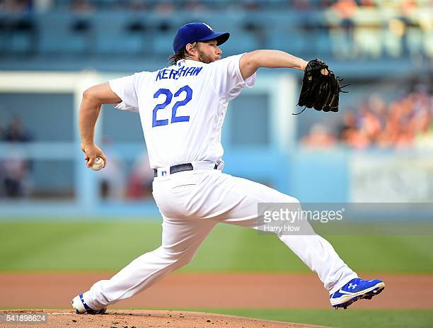 Clayton Kershaw of the Los Angeles Dodgers pitches to the Washington Nationals during the first inning at Dodger Stadium on June 20 2016 in Los...