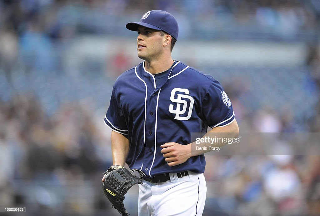 <a gi-track='captionPersonalityLinkClicked' href=/galleries/search?phrase=Clayton+Richard&family=editorial&specificpeople=5476063 ng-click='$event.stopPropagation()'>Clayton Richard</a> #33 of the San Diego Padres leaves the field after being taken out of the game in the fourth inning of a baseball game against the Arizona Diamondbacks at Petco Park on May 4, 2013 in San Diego, California.