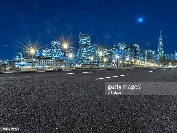 Nettoyer l'autoroute au centre-ville