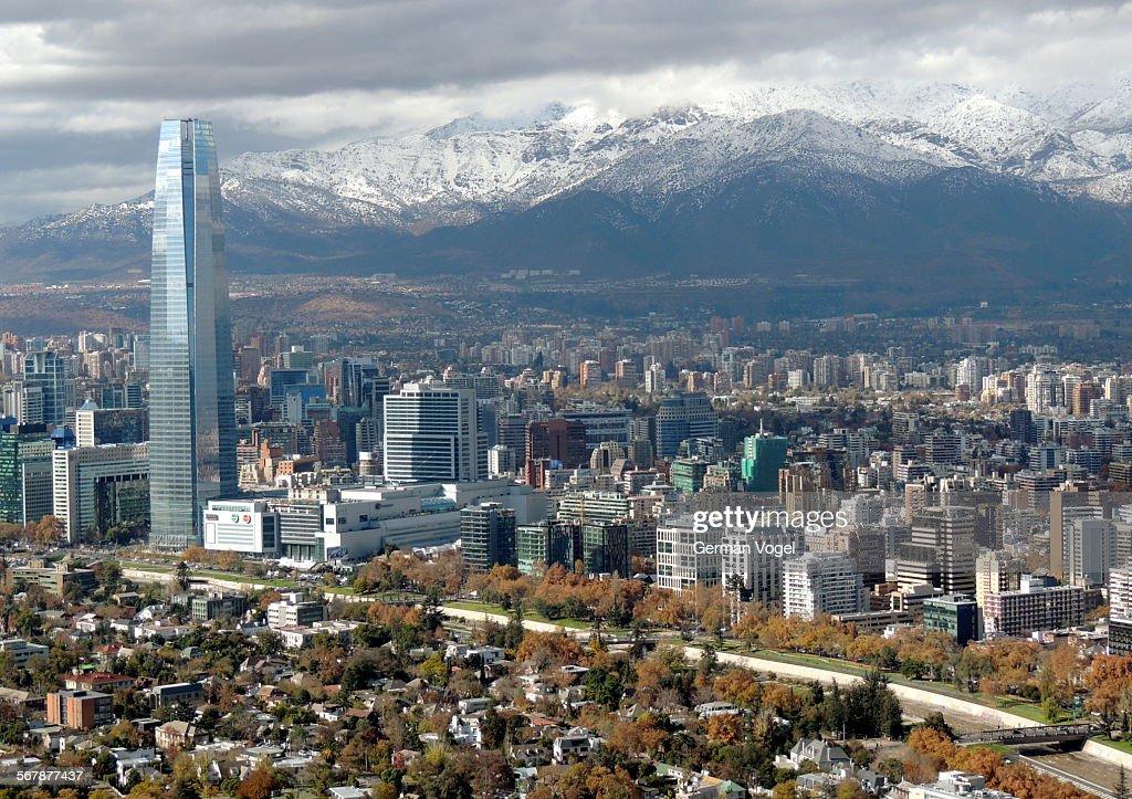 Clean wide city skyline of santiago de chile stock photo for Construccion de piscinas santiago chile