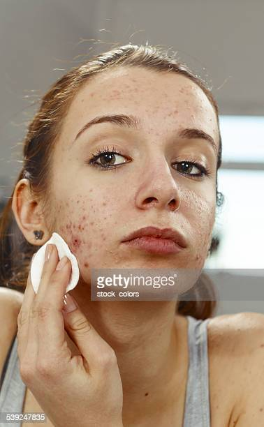 cleaning face