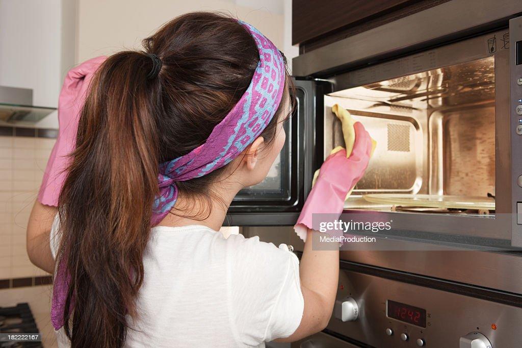 Limpeza do forno : Foto de stock