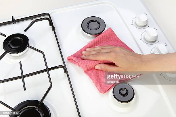 Cleaning set-top stove