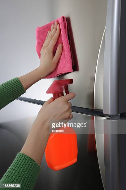 Pulizia superficie del frigorifero