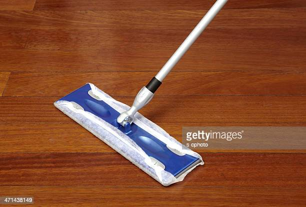 Reinigung mit Mop (Klicken Sie hier, um weitere Informationen)