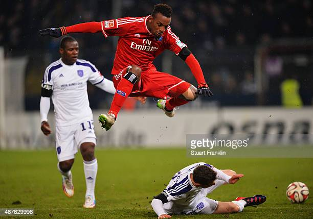 Cleber Reis of Hamburg is challenged by Maximilian Wagener of Osnabrueck during a friendly match between VfL Osnabrueck and Hamburger SV at Osnatel...