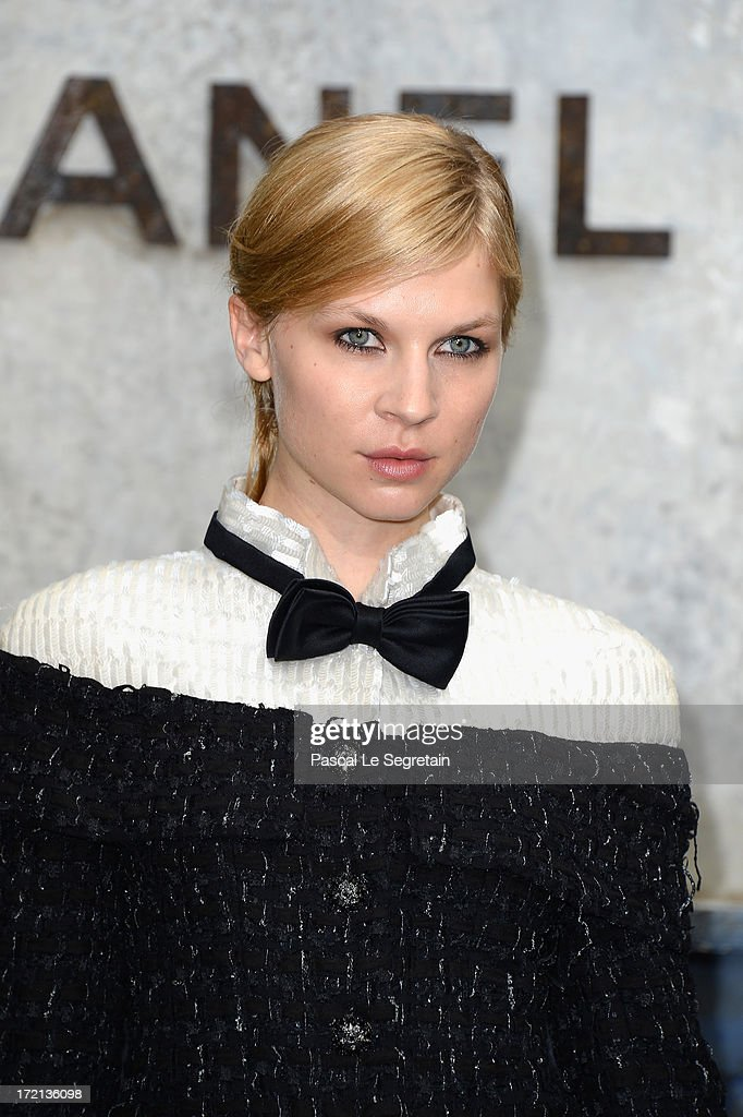 <a gi-track='captionPersonalityLinkClicked' href=/galleries/search?phrase=Clemence+Poesy&family=editorial&specificpeople=765034 ng-click='$event.stopPropagation()'>Clemence Poesy</a> attends the Chanel show as part of Paris Fashion Week Haute-Couture Fall/Winter 2013-2014 at Grand Palais on July 2, 2013 in Paris, France.