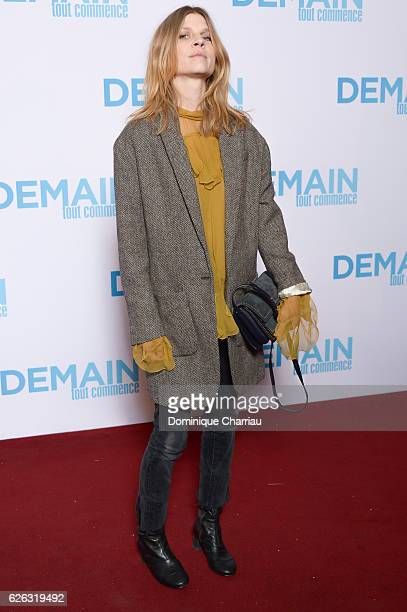 Clemence Poesy attends the 'Demain Tout Commence' Paris Premiere at Le Grand Rex on November 28 2016 in Paris France