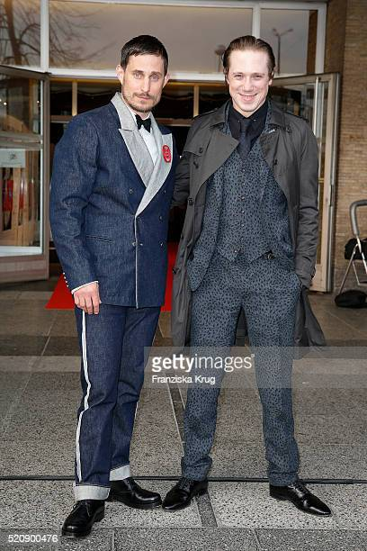 Clemens Schick and Timo Jacobs attend the 'Mann im Spagat Pace Cowboy Pace' premiere at Kino International on April 13 2016 in Berlin Germany