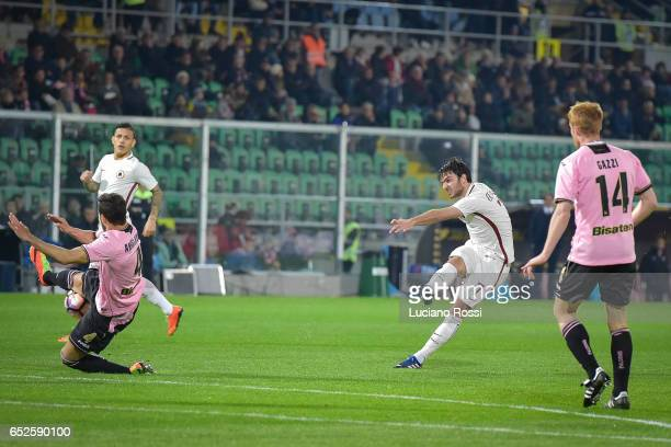 Clement Grenier of AS Roma in action during the Serie A match between US Citta di Palermo and AS Roma at Stadio Renzo Barbera on March 12 2017 in...