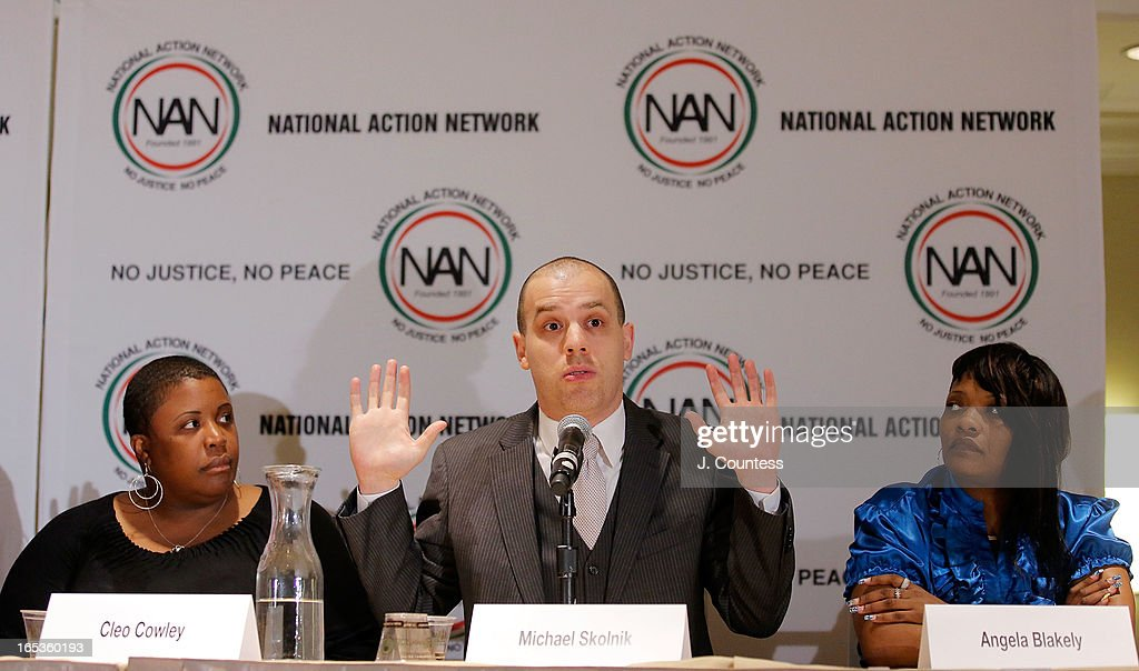 Cleo Cowley, mother of 15 year old murder victim Hadiya Pendleton, Editor-in-Chief of GlobalGrind.com Michael Skolnik and Angela Blakely, mother of murder victim Janay McFarlane during the panal 'Gun Violence: Addressing Real Reform' during the 2013 NAN National Convention Day 1 at New York Sheraton Hotel & Tower on April 3, 2013 in New York City.