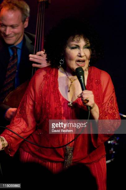 Cleo Laine and Dudley Moore - When I Take My Sugar To Tea