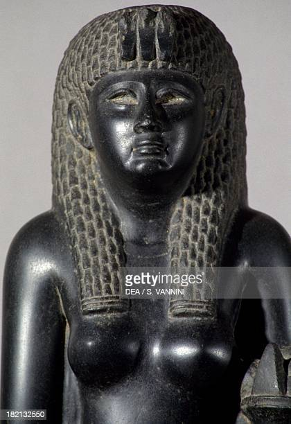 Cleopatra Statue Stock Photos And Pictures Getty Images