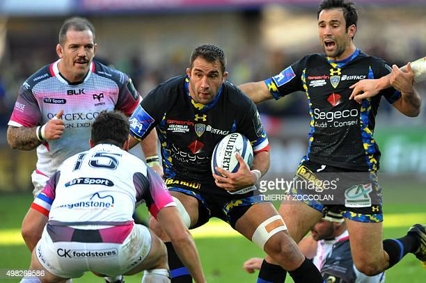 Clermont's French flanker Alexandre Lapandry runs with the ball during the European Rugby Champions Cup Clermont vs Ospreys at the Michelin stadium...