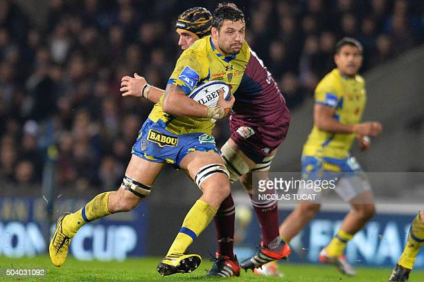 Clermont's French flanker Damien Chouly runs with the ball during the European Rugby Champions Cup rugby union match between Union BordeauxBegles and...