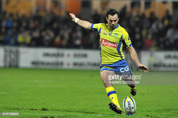 Clermont's French flyhalf Morgan Parra hits a penalty kick during the French Union Rugby match ASM Clermont vs Brive at the Michelin stadium in...