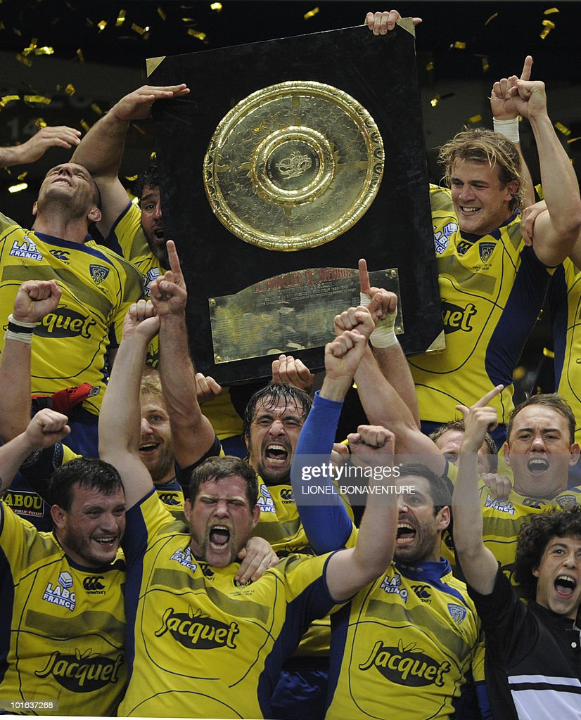 Clermont's players celebrate with the ' bouclier de Brennus ' shield after winning the French Top 14 rugby union final match Perpignan versus Clermont-Ferrand, on May 29, 2010 at the Stade de France in Saint-Denis, northern Paris. Clermont won 19-6.