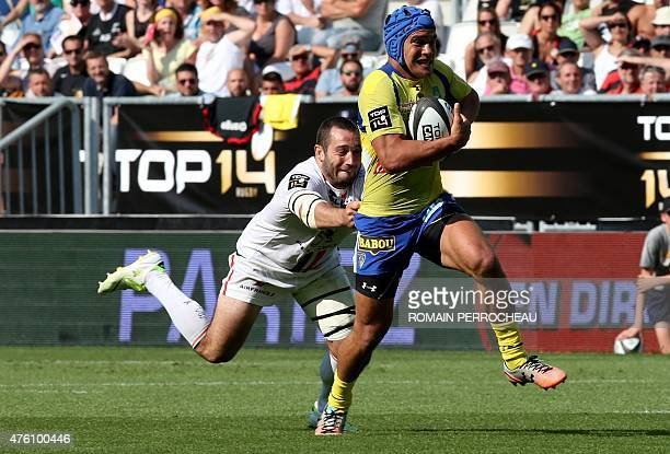 Clermont's Samoan centre Benson Stanley breaks away during the French Top 14 semifinal rugby union match between Toulouse and Clermont on June 6 2015...