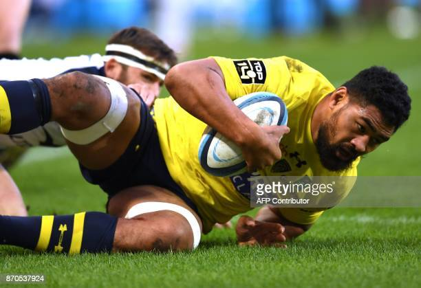 Clermont's Samoan flanker Fritz Lee scores a try during the French Top 14 rugby union match between Montpellier and Clermont on November 5 2017 at...