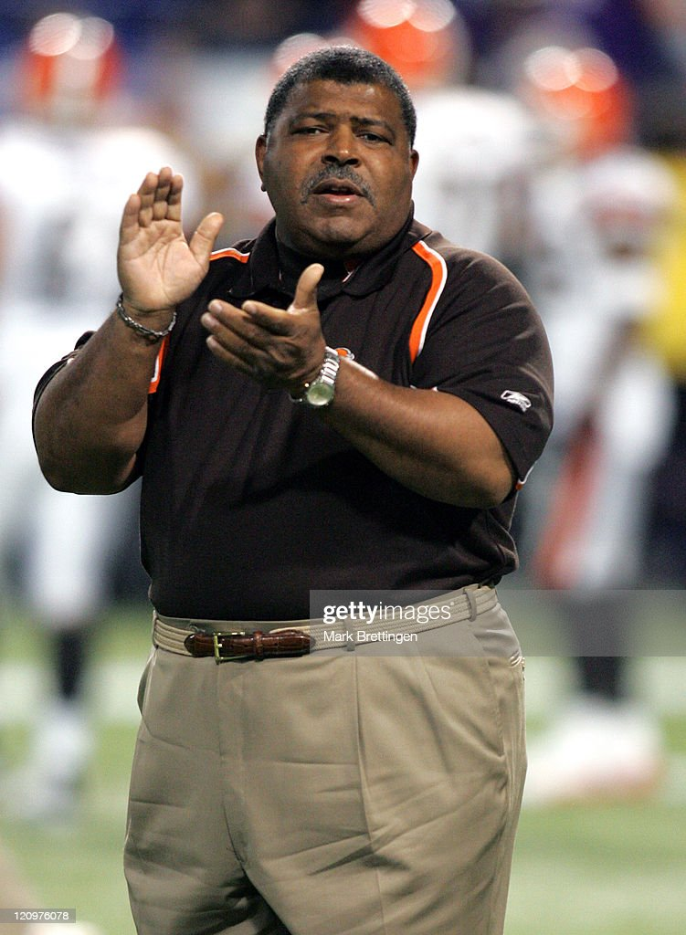 Cleveland Browns head coach <a gi-track='captionPersonalityLinkClicked' href=/galleries/search?phrase=Romeo+Crennel&family=editorial&specificpeople=564028 ng-click='$event.stopPropagation()'>Romeo Crennel</a> encourages his players before a game against the Minnesota Vikings on November 27, 2005 in the Metrodome in Minneapolis, Minnesota won the game 24-12.