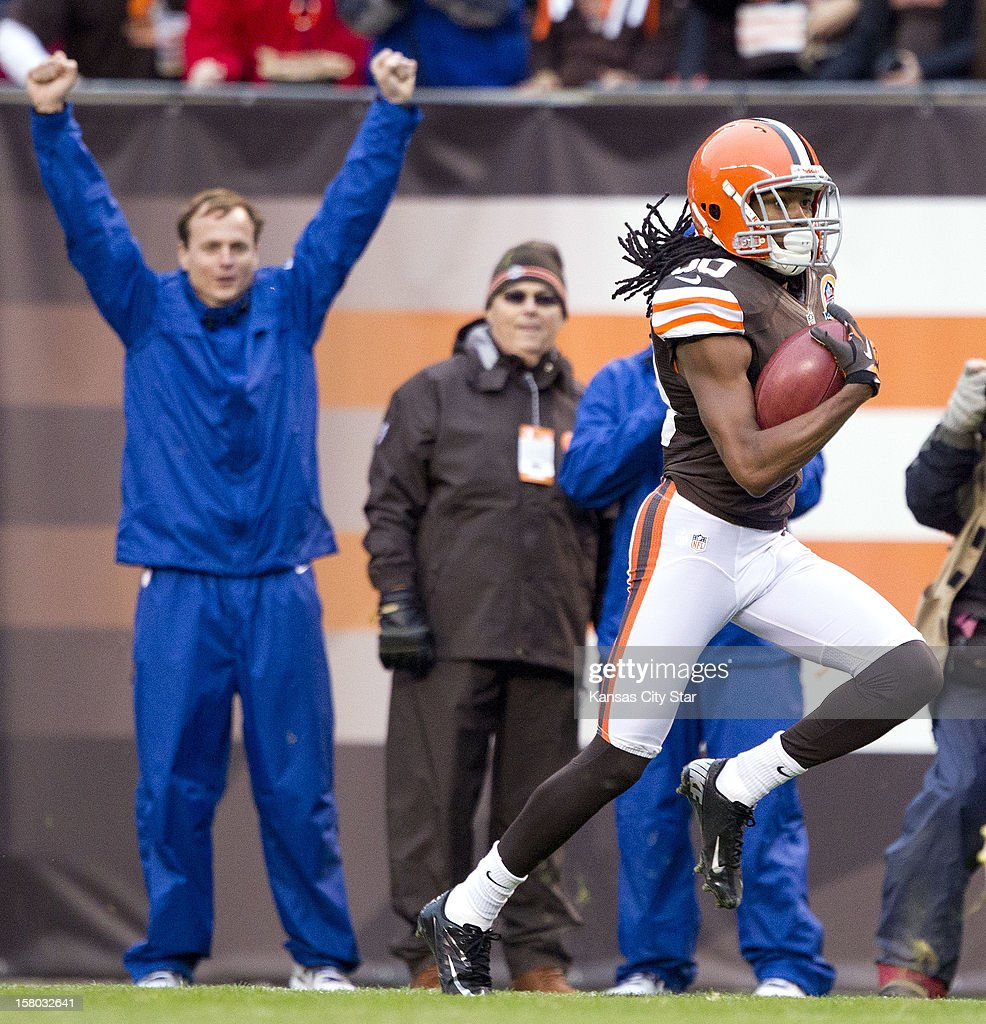 Cleveland Browns' Travis Benjamin (80) heads to the endzone for touchdown on a punt return in the second quarter as the Cleveland Browns beat the Kansas City Chiefs 30-7, December 9, 2012, in Cleveland, Ohio.