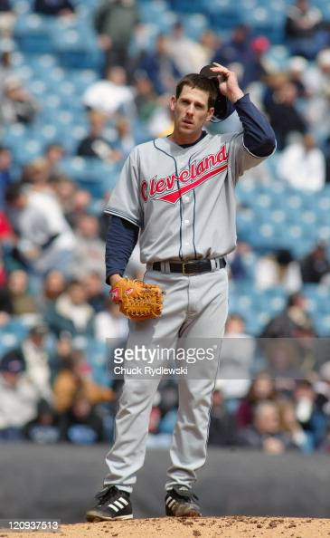 Cleveland Indians starting pitcher Cliff Lee waits for relief after giving up 5 runs in 4 innings against the Chicago White Sox at US Cellular Field...