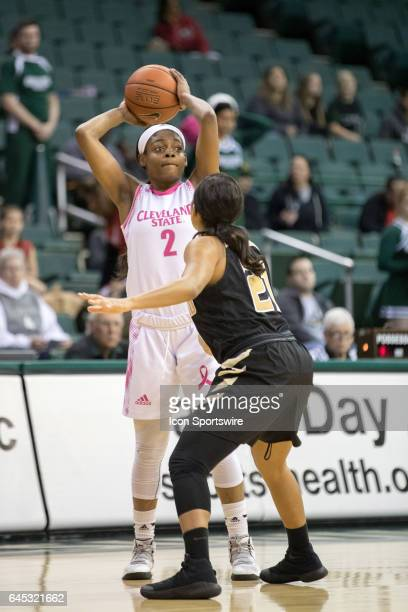 Cleveland State Vikings F Ashanti Abshaw is defended by Oakland Golden Grizzlies G Nola Anderson during the first quarter of the women's college...