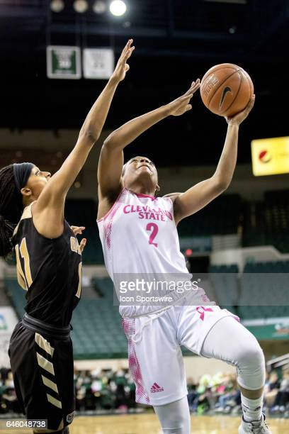 Cleveland State Vikings F Ashanti Abshaw shoots as Oakland Golden Grizzlies F Hannah Little defends during the first quarter of the women's college...