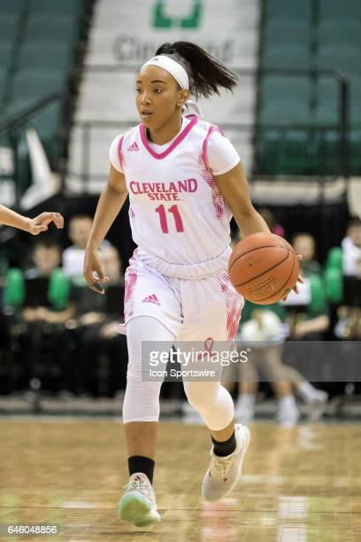 Cleveland State Vikings G Khayla Livingston with the basketball during the first quarter of the women's college basketball game between the Oakland...