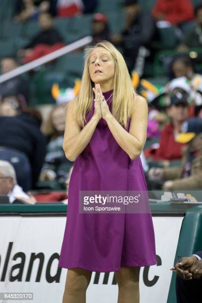 Cleveland State Vikings head coach Kate Peterson Abiad reacts to a call during the second quarter of the women's college basketball game between the...