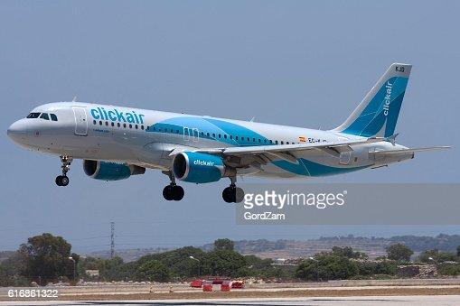 Clickair Airbus on short finals : Stock Photo