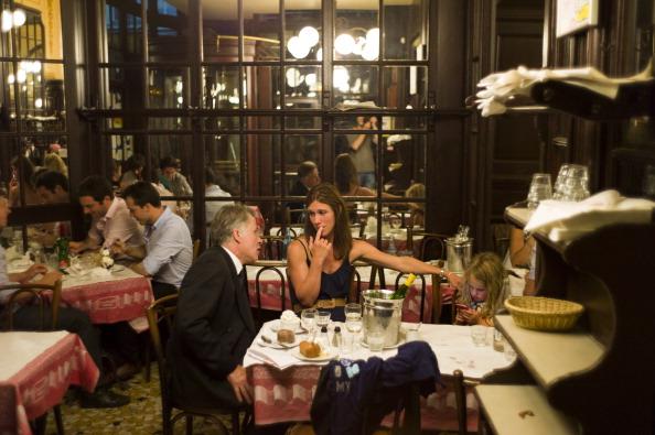 Brasserie foto e immagini stock getty images - Brasserie lutetia menu ...