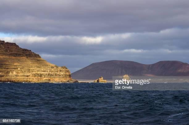 cliff lanzarote archipielago chinijo punta fariones