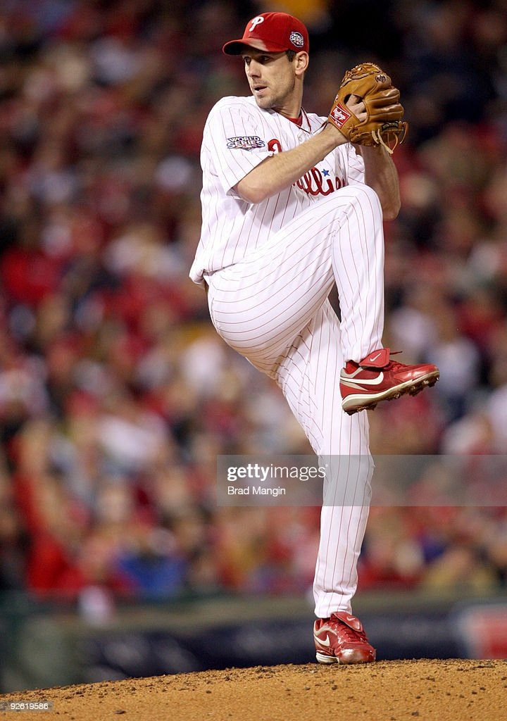 <a gi-track='captionPersonalityLinkClicked' href=/galleries/search?phrase=Cliff+Lee&family=editorial&specificpeople=218092 ng-click='$event.stopPropagation()'>Cliff Lee</a> #34 of the Philadelphia Phillies pitches during Game Five of the 2009 MLB World Series at Citizens Bank Park on November 2, 2009 in Philadelphia, Pennsylvania.