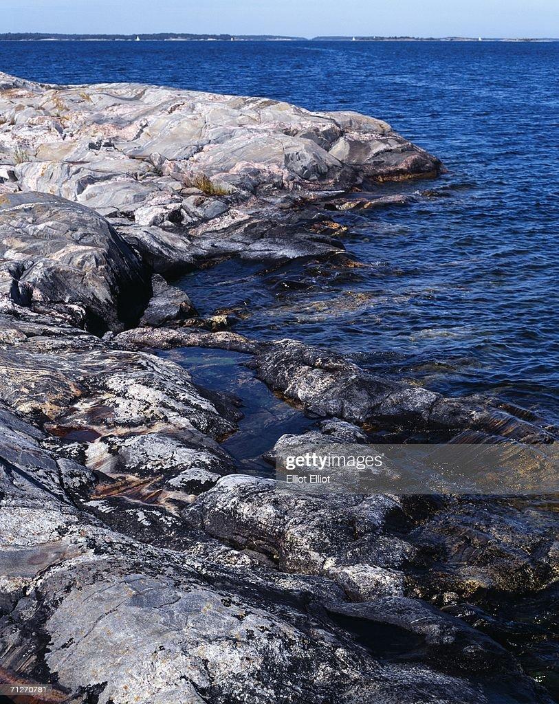 Cliffs in the Swedish archipelago. : Stock Photo