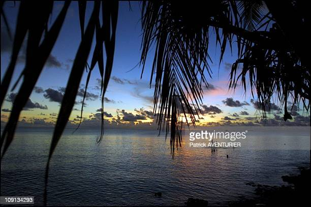 Climate Warming And Water Rise Threaten Pacific Nation Of Tuvalu On January 4Th 2002 In Funafuti Tuvalu Children Playing On Floating Debris In The...