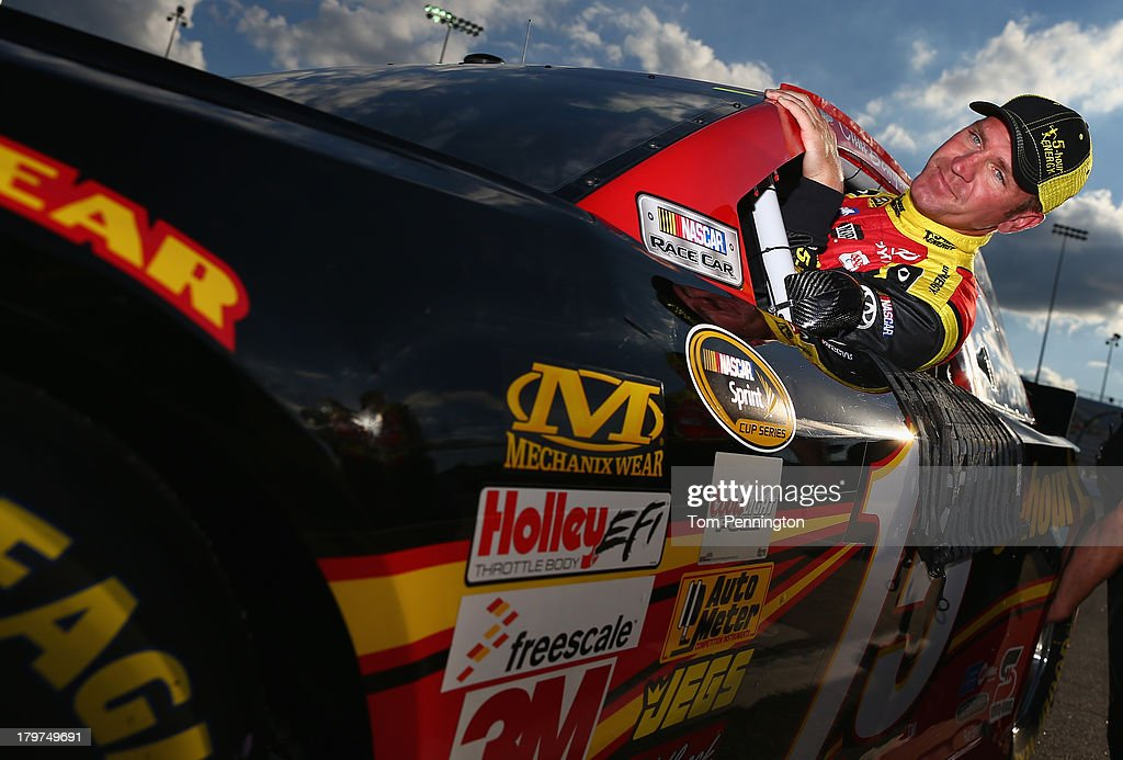<a gi-track='captionPersonalityLinkClicked' href=/galleries/search?phrase=Clint+Bowyer&family=editorial&specificpeople=537951 ng-click='$event.stopPropagation()'>Clint Bowyer</a>, driver of the #15 5-hour ENERGY Toyota, climbs from his car after qualifying for the NASCAR Sprint Cup Series Federated Auto Parts 400 at Richmond International Raceway on September 6, 2013 in Richmond, Virginia.