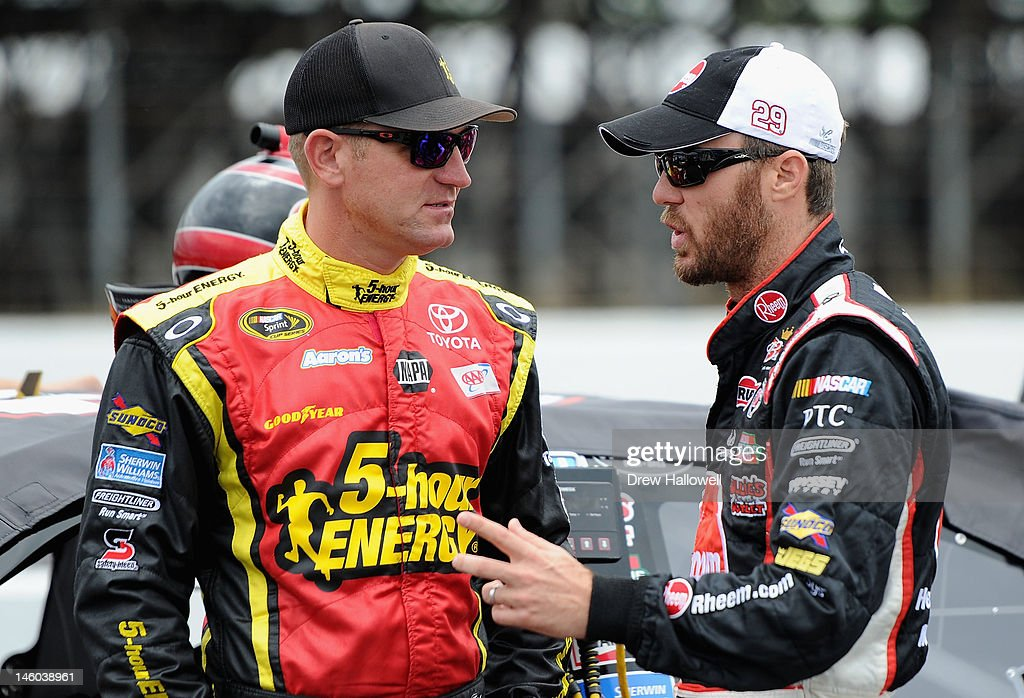 <a gi-track='captionPersonalityLinkClicked' href=/galleries/search?phrase=Clint+Bowyer&family=editorial&specificpeople=537951 ng-click='$event.stopPropagation()'>Clint Bowyer</a>, driver of the #15 5-hour Energy Toyota, talks with <a gi-track='captionPersonalityLinkClicked' href=/galleries/search?phrase=Kevin+Harvick&family=editorial&specificpeople=209186 ng-click='$event.stopPropagation()'>Kevin Harvick</a>, driver of the #29 Rheem Chevrolet, on the grid during qualifying for the NASCAR Sprint Cup Series Pocono 400 presented by #NASCAR at Pocono Raceway on June 9, 2012 in Long Pond, Pennsylvania.