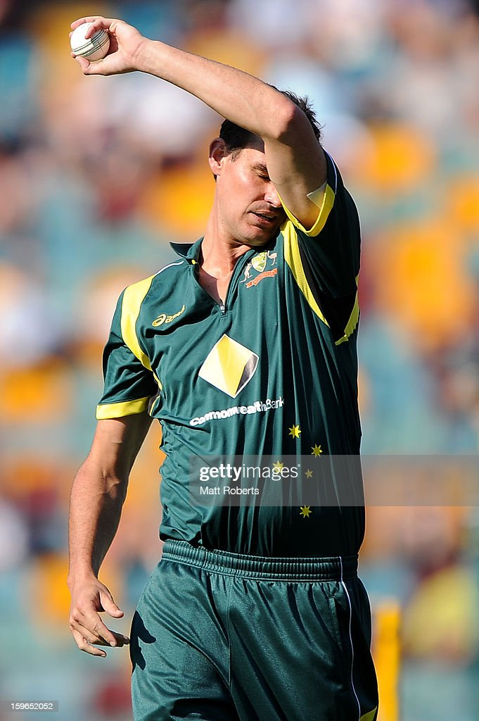 Clint McKay of Australia prepares to bowl during game three of the Commonwealth Bank one day international series between Australia and Sri Lanka at The Gabba on January 18, 2013 in Brisbane, Australia.