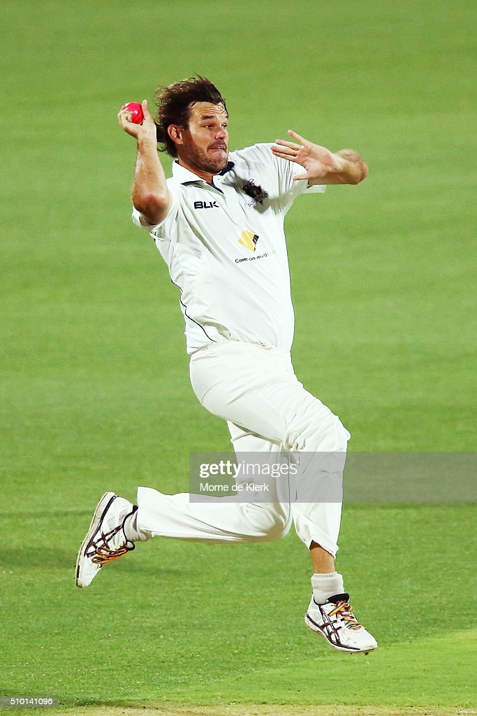 <a gi-track='captionPersonalityLinkClicked' href=/galleries/search?phrase=Clint+McKay&family=editorial&specificpeople=4083690 ng-click='$event.stopPropagation()'>Clint McKay</a> of the VIC Bushrangers bowls during day one of the Sheffield Shield match between South Australia and Victoria at Adelaide Oval on February 14, 2016 in Adelaide, Australia.