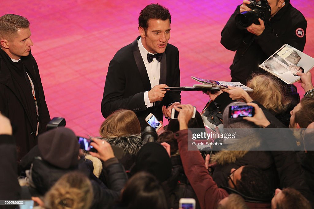 <a gi-track='captionPersonalityLinkClicked' href=/galleries/search?phrase=Clive+Owen&family=editorial&specificpeople=201515 ng-click='$event.stopPropagation()'>Clive Owen</a> attends the 'Hail, Caesar!' premiere during the 66th Berlinale International Film Festival Berlin at Berlinale Palace on February 11, 2016 in Berlin, Germany.